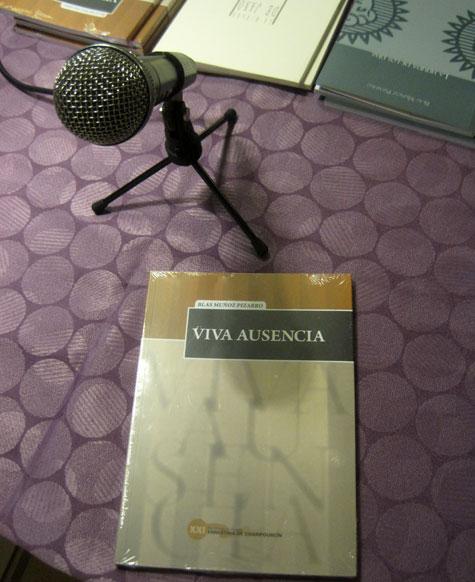 """""""Viva Ausencia"""" un libro para tener"""