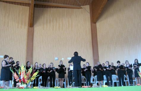 Primera intervención del coro