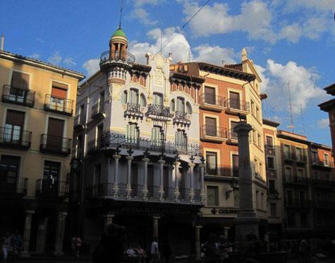 """Plaza del """"TORICO"""" en Teruel"""