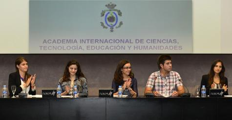 Jóvenes de la Facultades de Valencia
