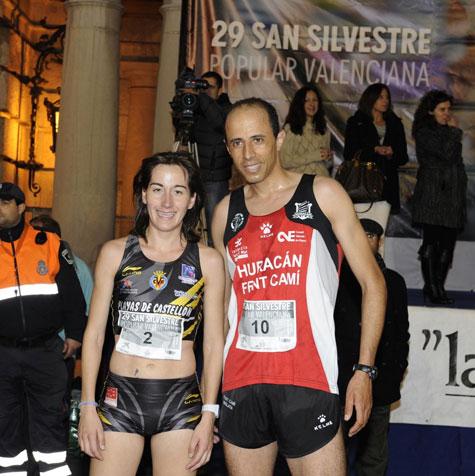 Abdelghafour Lasri e Isabel Checa (ganadores San Silvestre de Valencia 2012)
